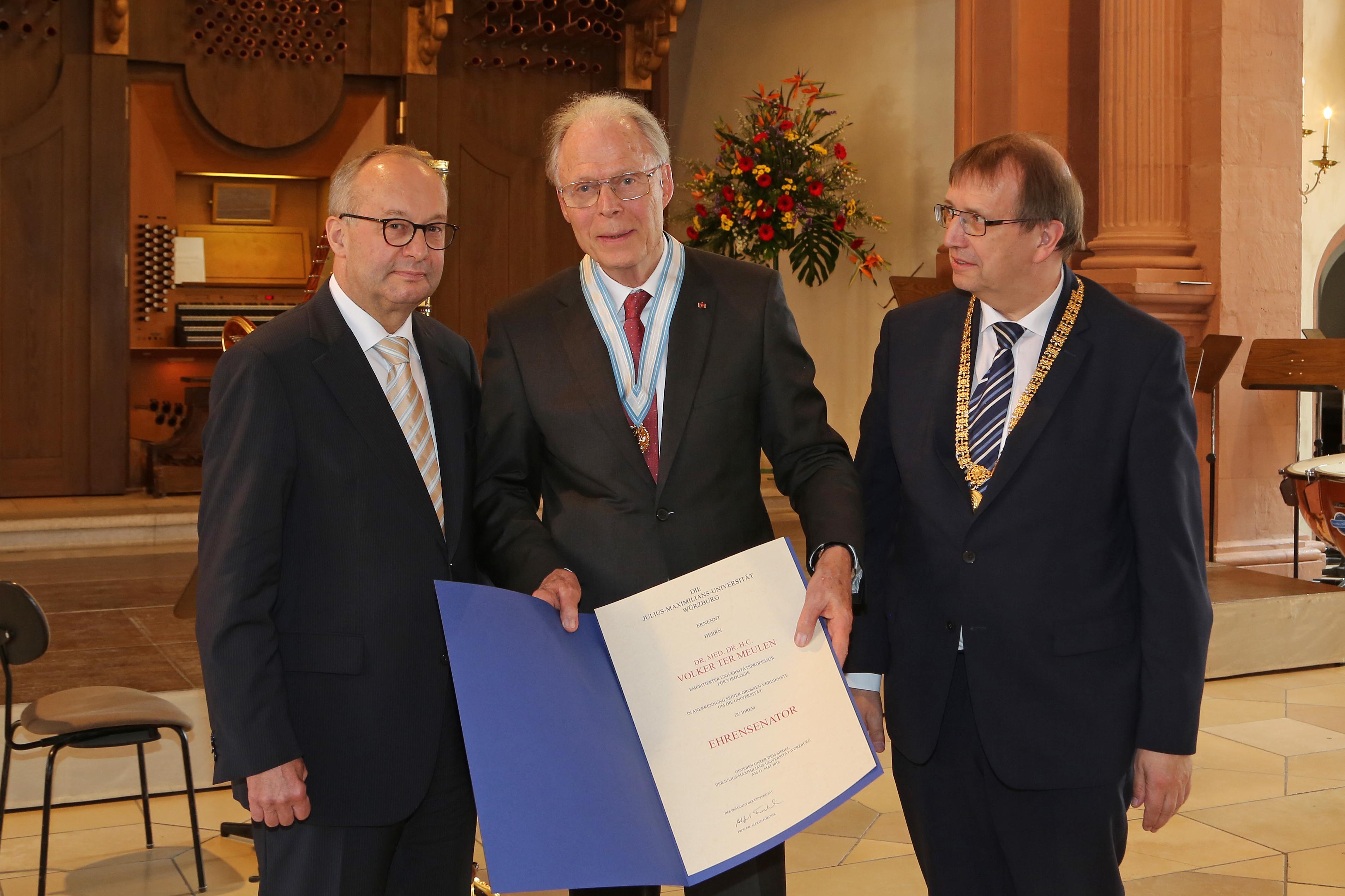 59132bc1baff43 ... der Universität Würzburg sowie 2009 die Rinecker-Medaille der  Medizinischen Fakultät verliehen. In Anerkennung seiner überragenden  wissenschaftlichen ...